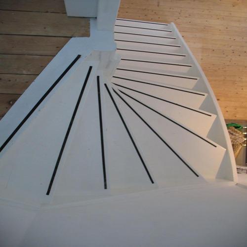 Antislip op traptreden vloerveilig for Hout voor traptreden